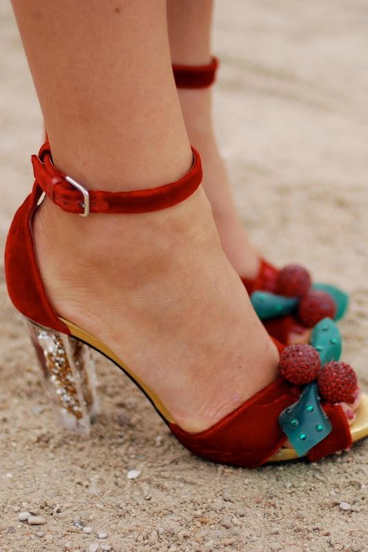 feet fetish mistletoe shoes