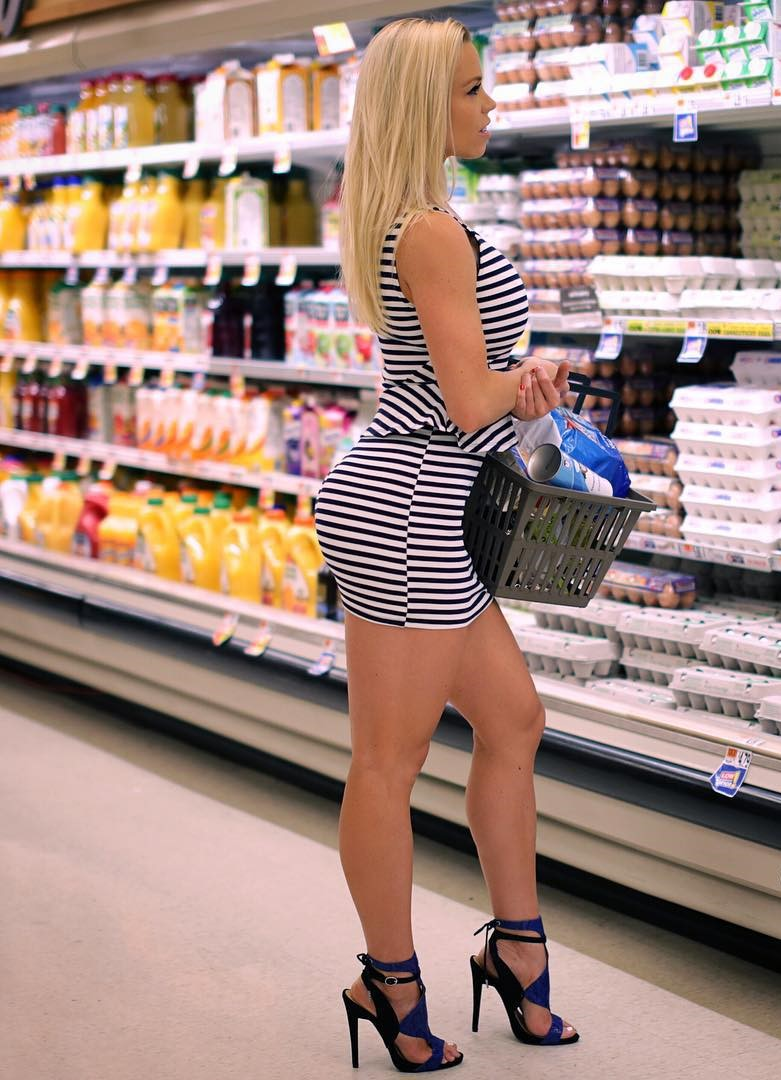 Free Sex Story: Enjoying Tasty Treats At the Grocery Store